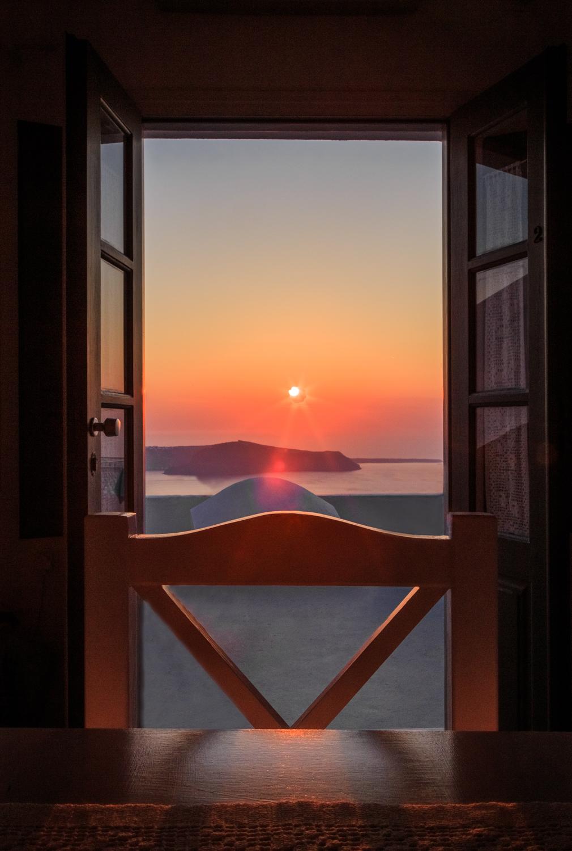 Santorini sunset by Rick McEvoy ABIPP - Travel Photographer