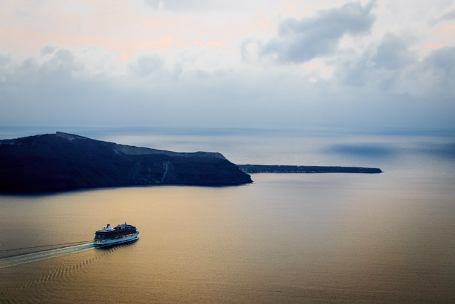 Photos of Santorini by Rick McEvoy 082.jpg