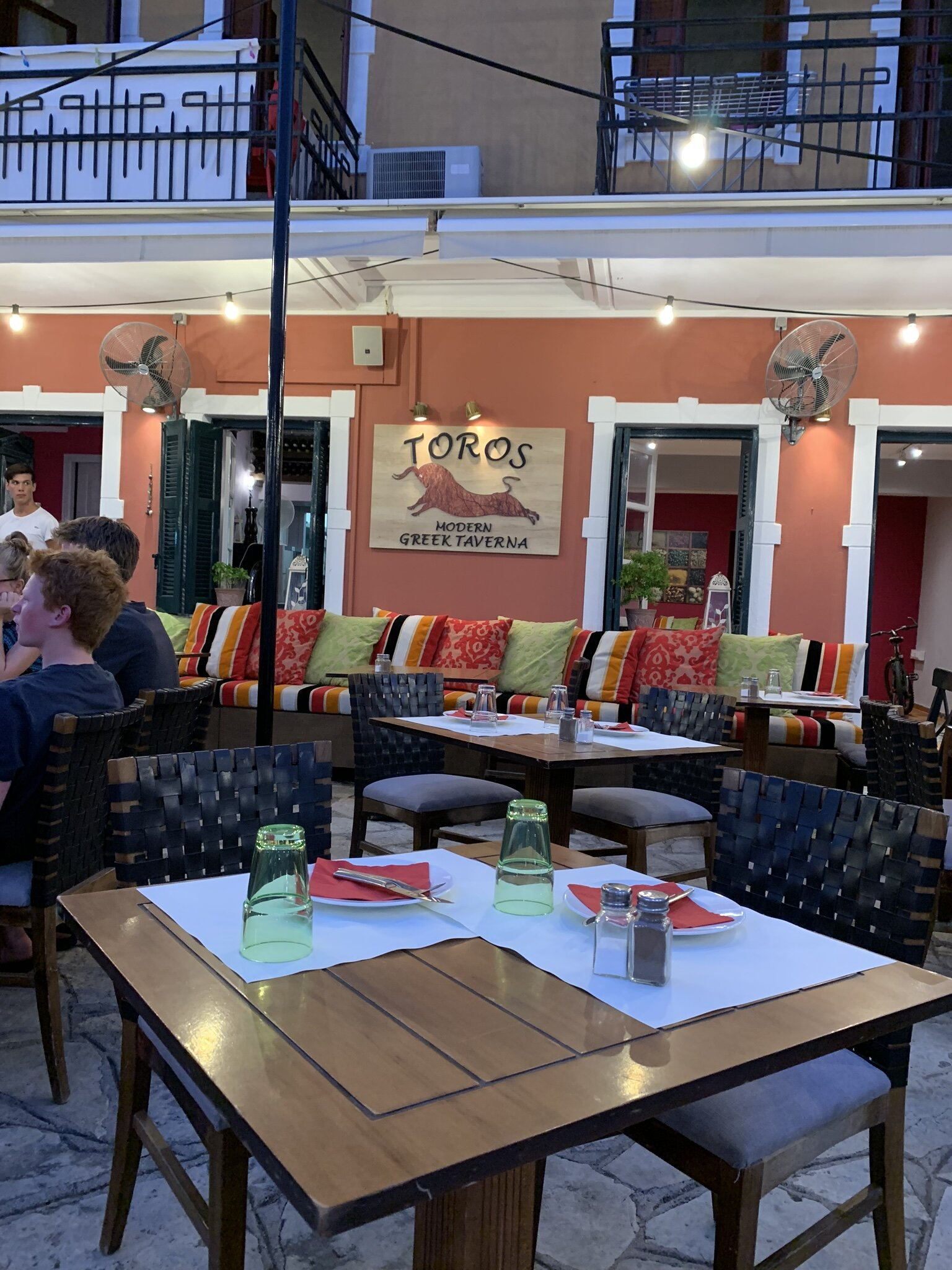 Table at Toros Parga