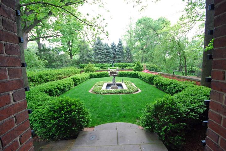 A Viennese garden in 45208