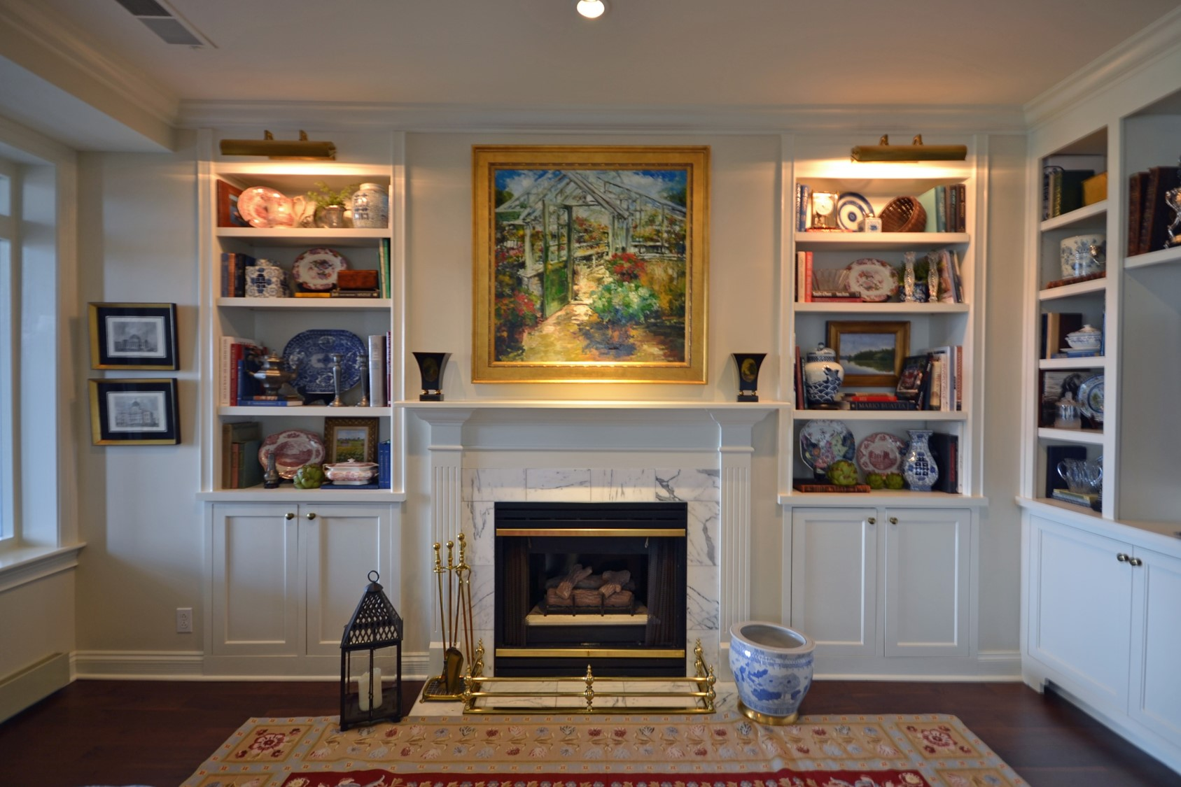 We dig bookcase lights. We are the exclusive representatives of a number of fantastic lighting lines from traditional to contemporary and everything in-between. Come get lit with us.