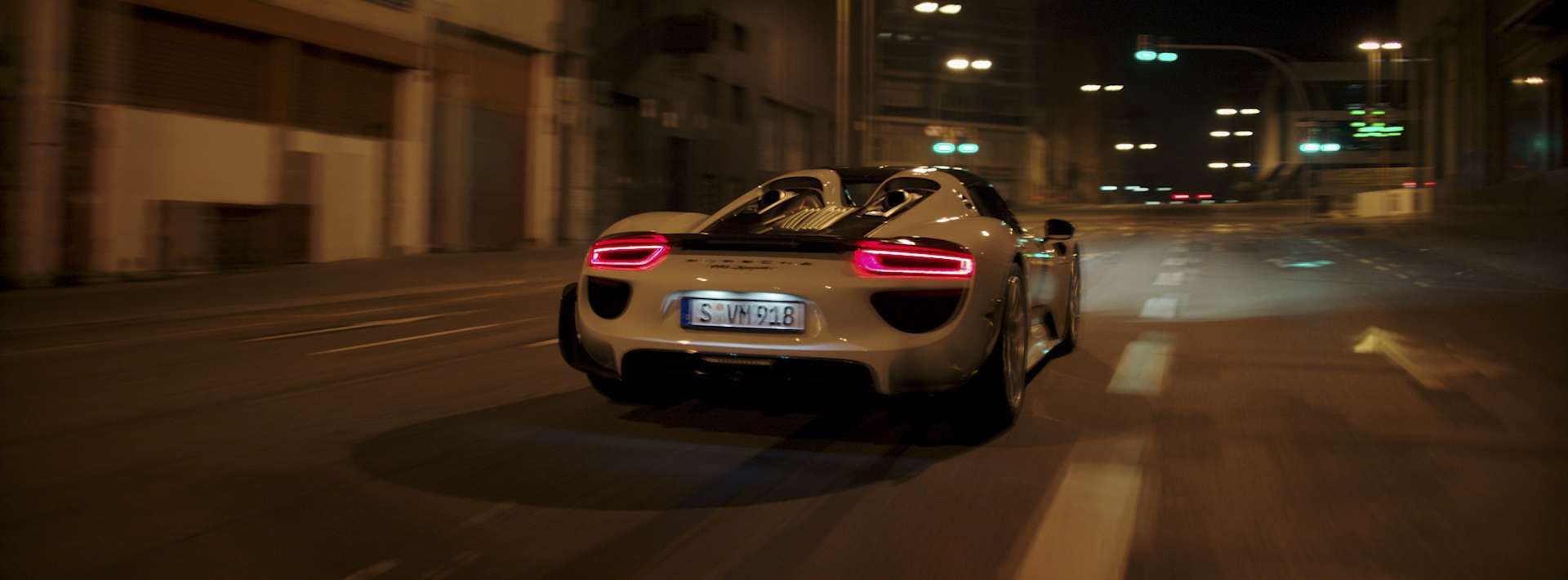 Porsche_E-Performance_Dir_Cut_1.1.28.jpg