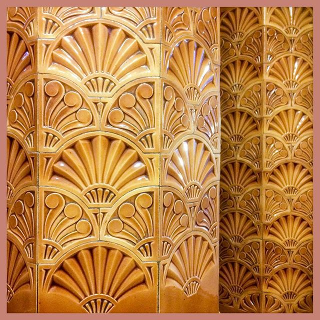❤️ these fabulous tiles so much! Are they #artdeco ? The entrance to The Great Hall always puts a big smile on my face😃#universityofleeds #ornate #tiles #smile #commercialphotography #commercialphotographer 📷😊
