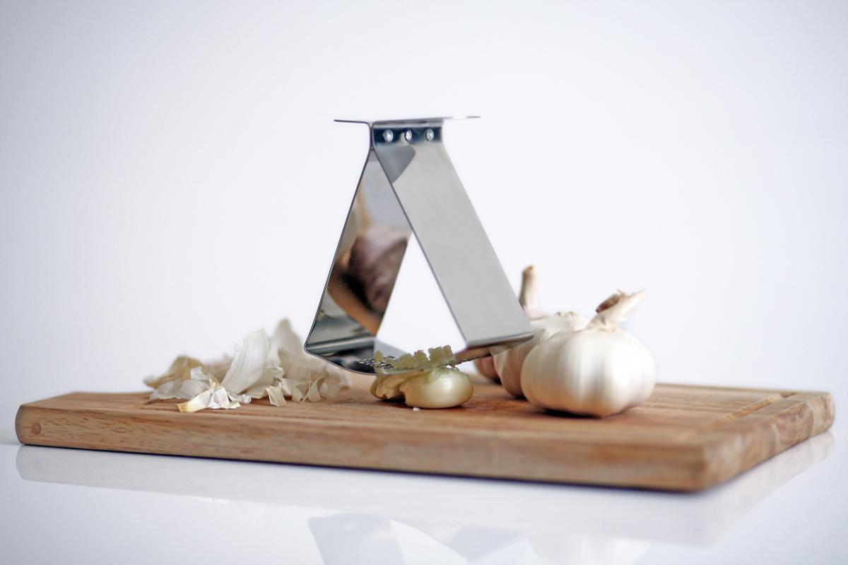 Ribbon Garlic Press - Jankovics Petra 04.jpg