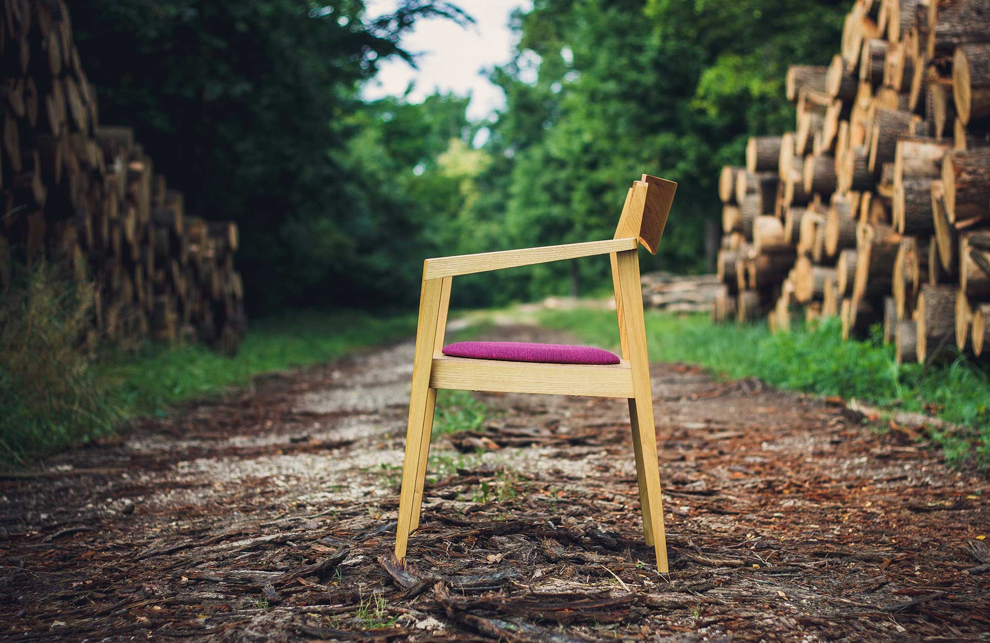 Public-chair-by-Mate-Horvath-04.jpg