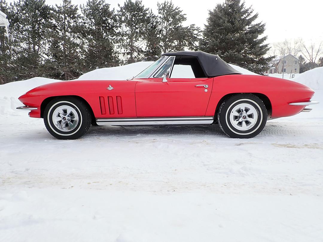 2 1965 Chevrolet Corvette Curry.jpg