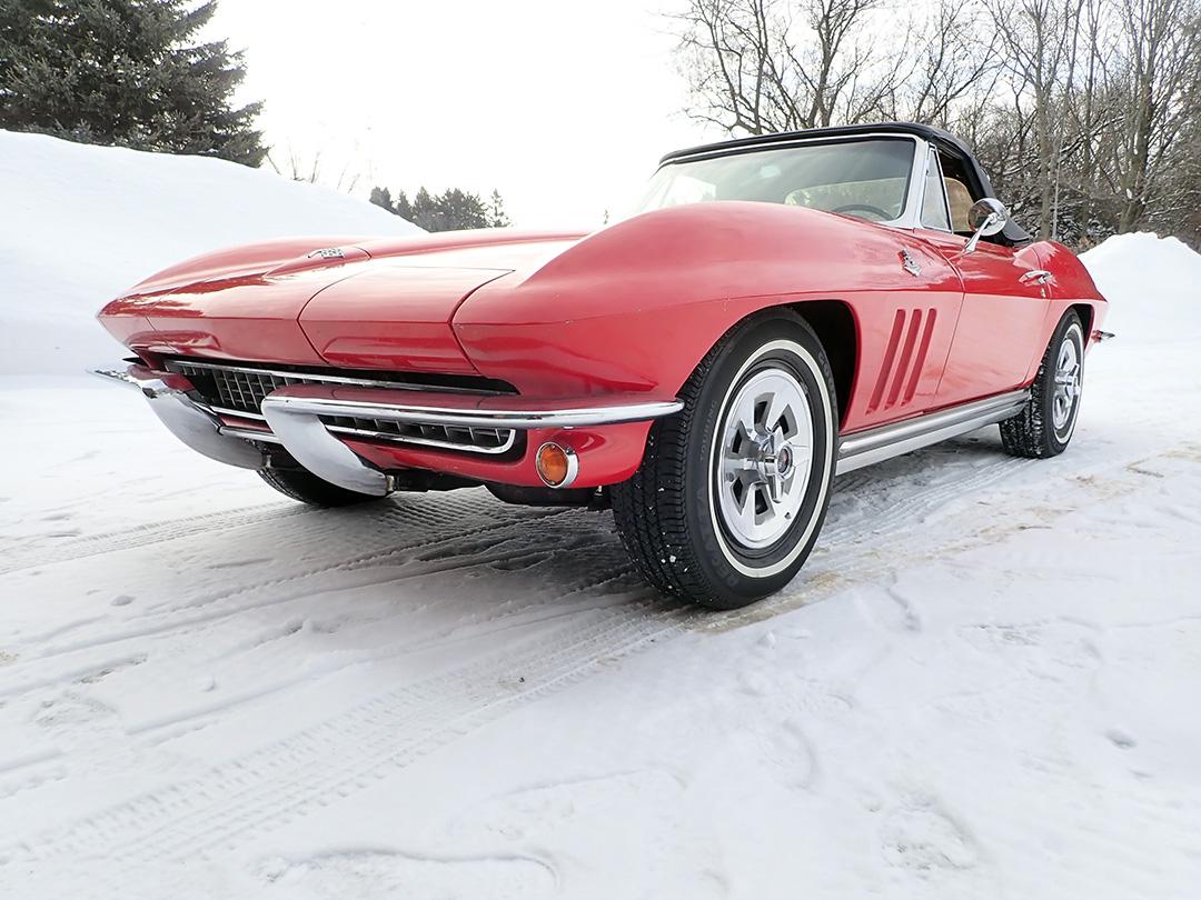 1 1965 Chevrolet Corvette Curry.jpg