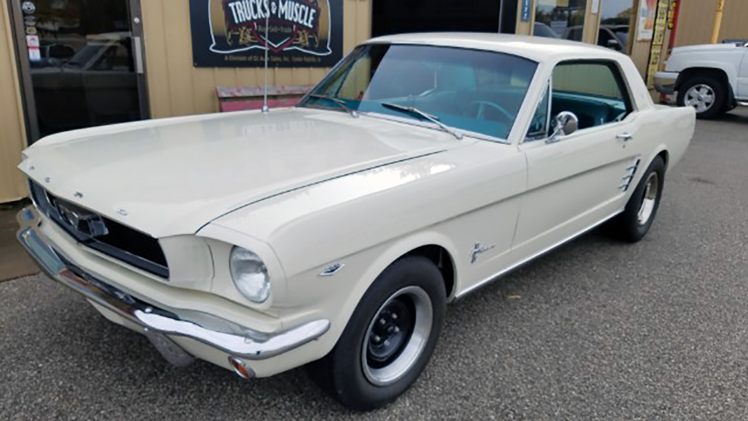 1 1966 Ford Mustang Coupe.jpg
