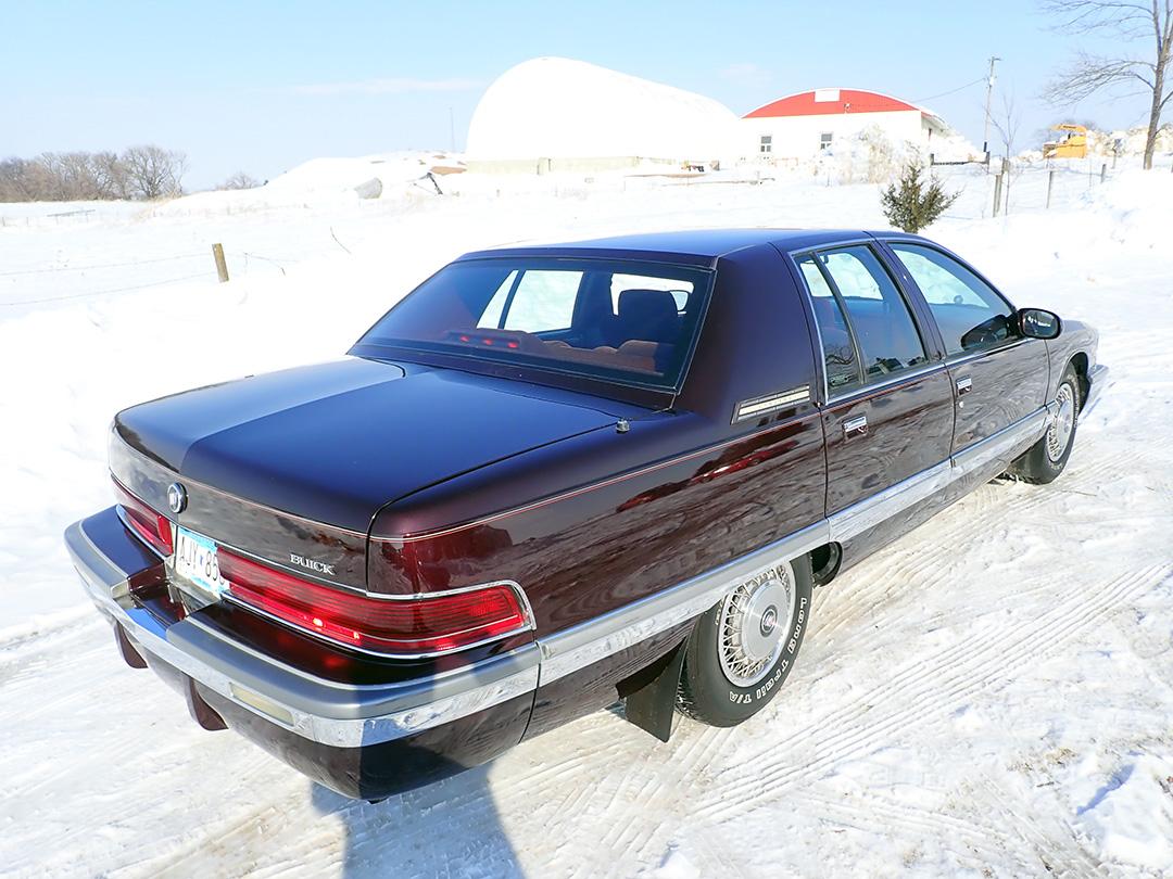 5 1996 Buick Roadmaster SG.jpg