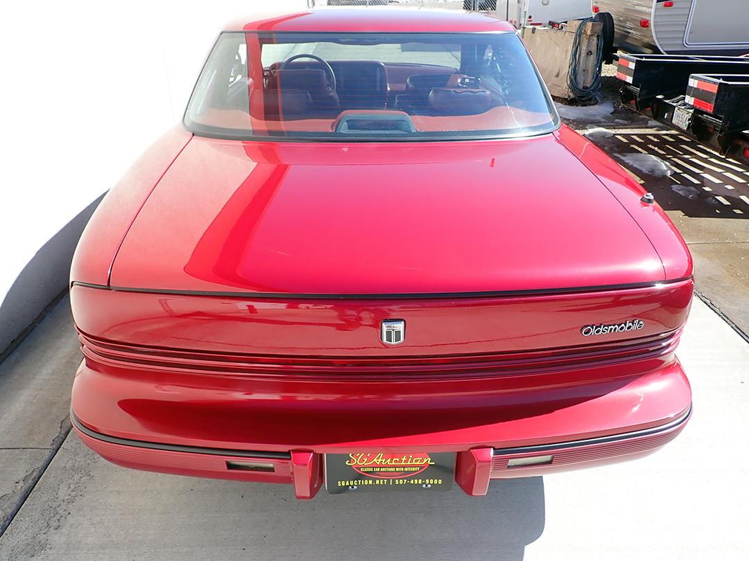 4 1990 Olds Toro STP.jpg