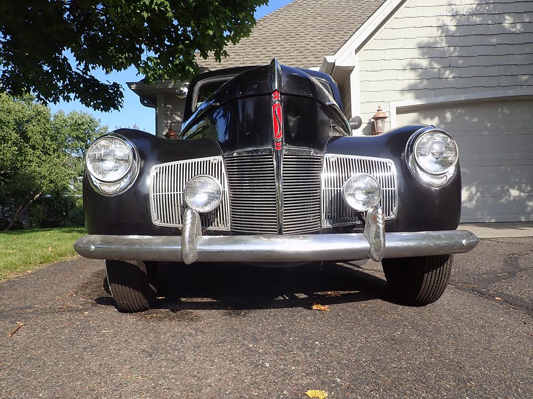 8 1940 Studebaker Champion Silver.jpg