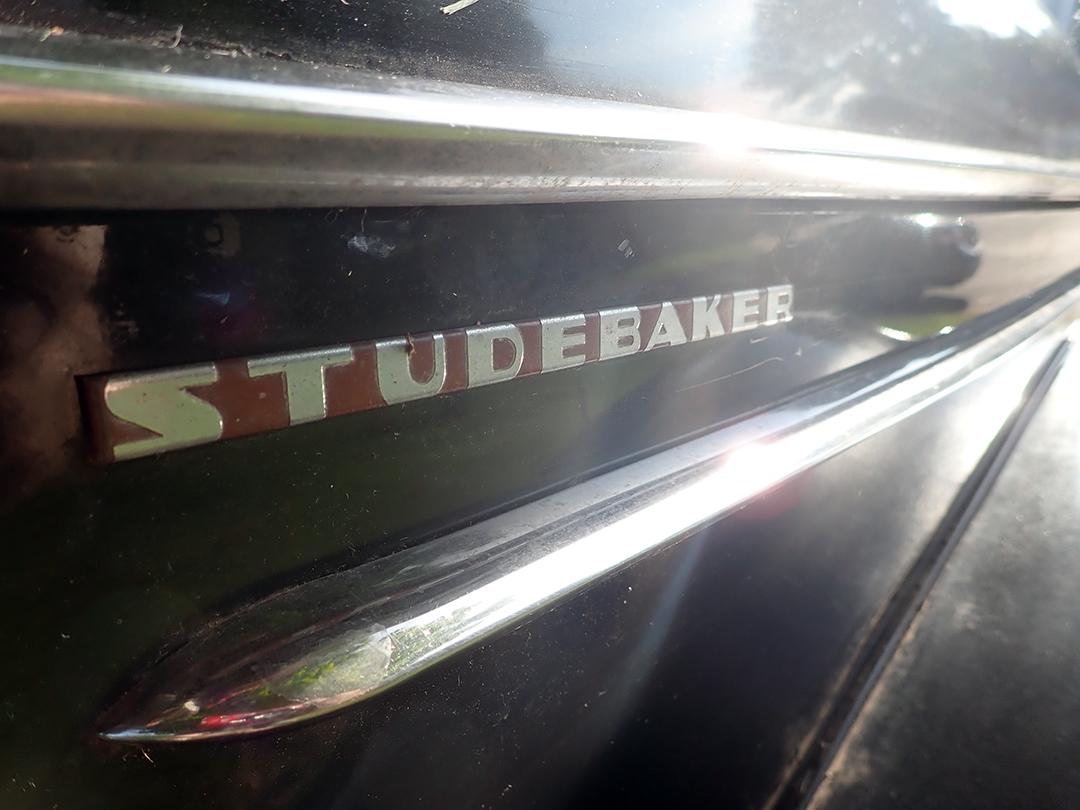 14 1940 Studebaker Champion Silver.jpg