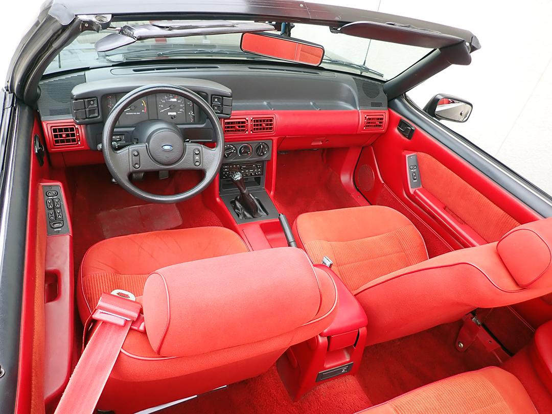 9 1988 Ford Mustang Conv STPC.jpg