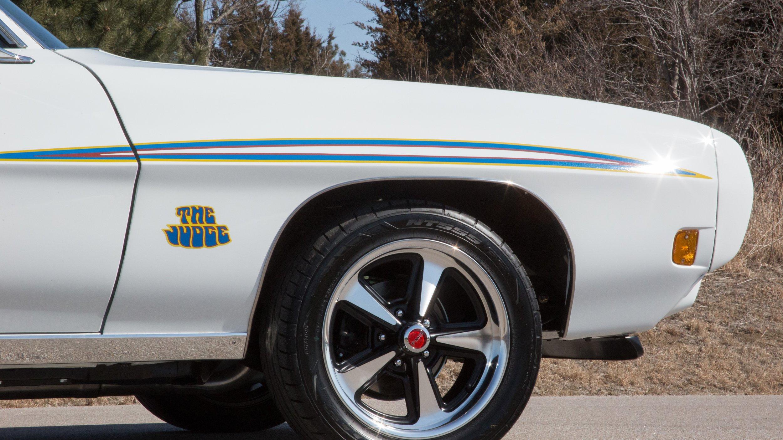 wheels tires frt.jpg