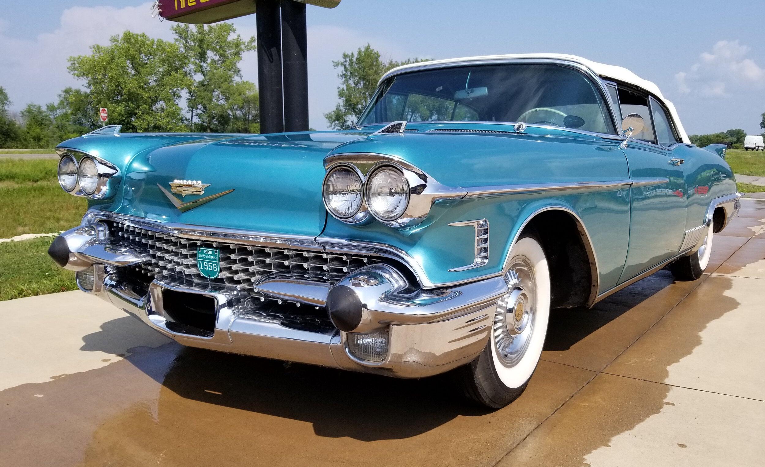 1 1958 Cadillac Biarritz.jpg