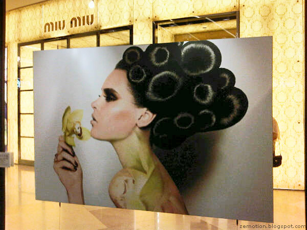 harpers-bazaar-exhibition-singapore-spectacular-sights.jpg