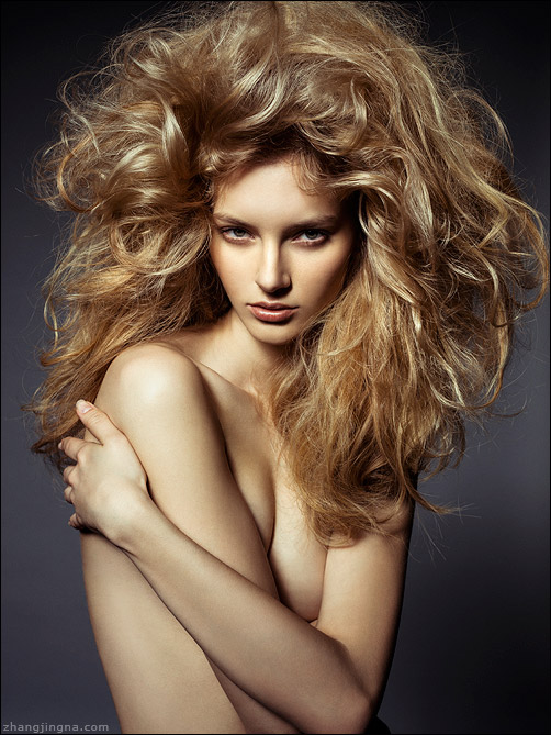 Elle-Russia-Dramatic-Hair-Beauty_Zhang-Jingna1.jpg