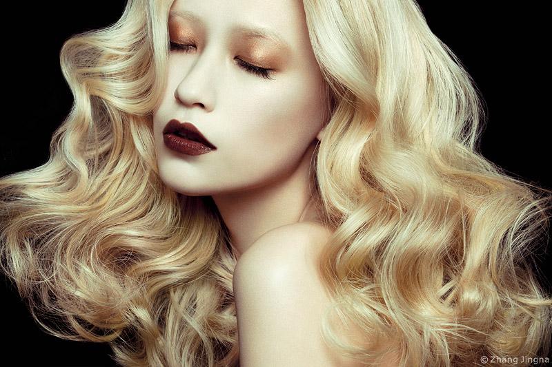 Breaking-into-Fashion-6-Learn-Fashion-Beauty-Photography-Lighting.jpg