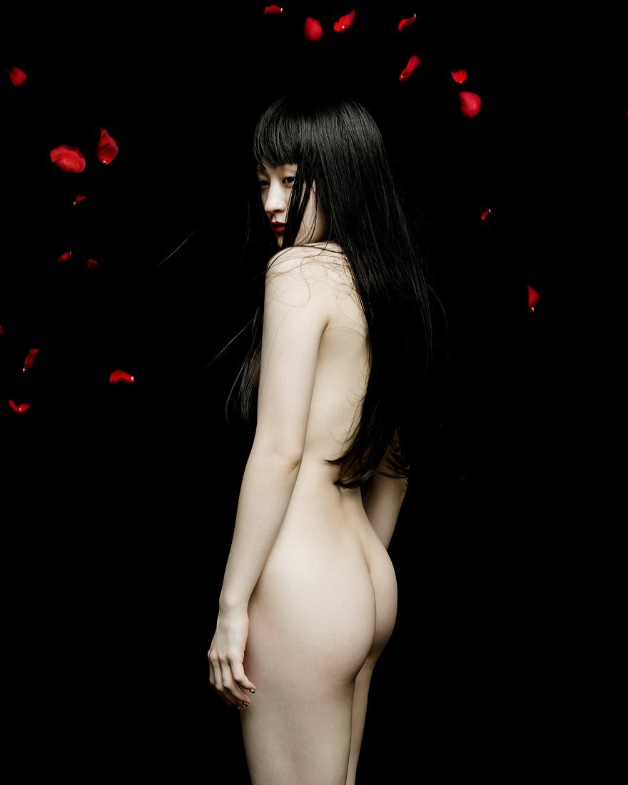 KOM_I-Shedding--Wednesday-Campanella-by-Jingna-Zhang3.jpg