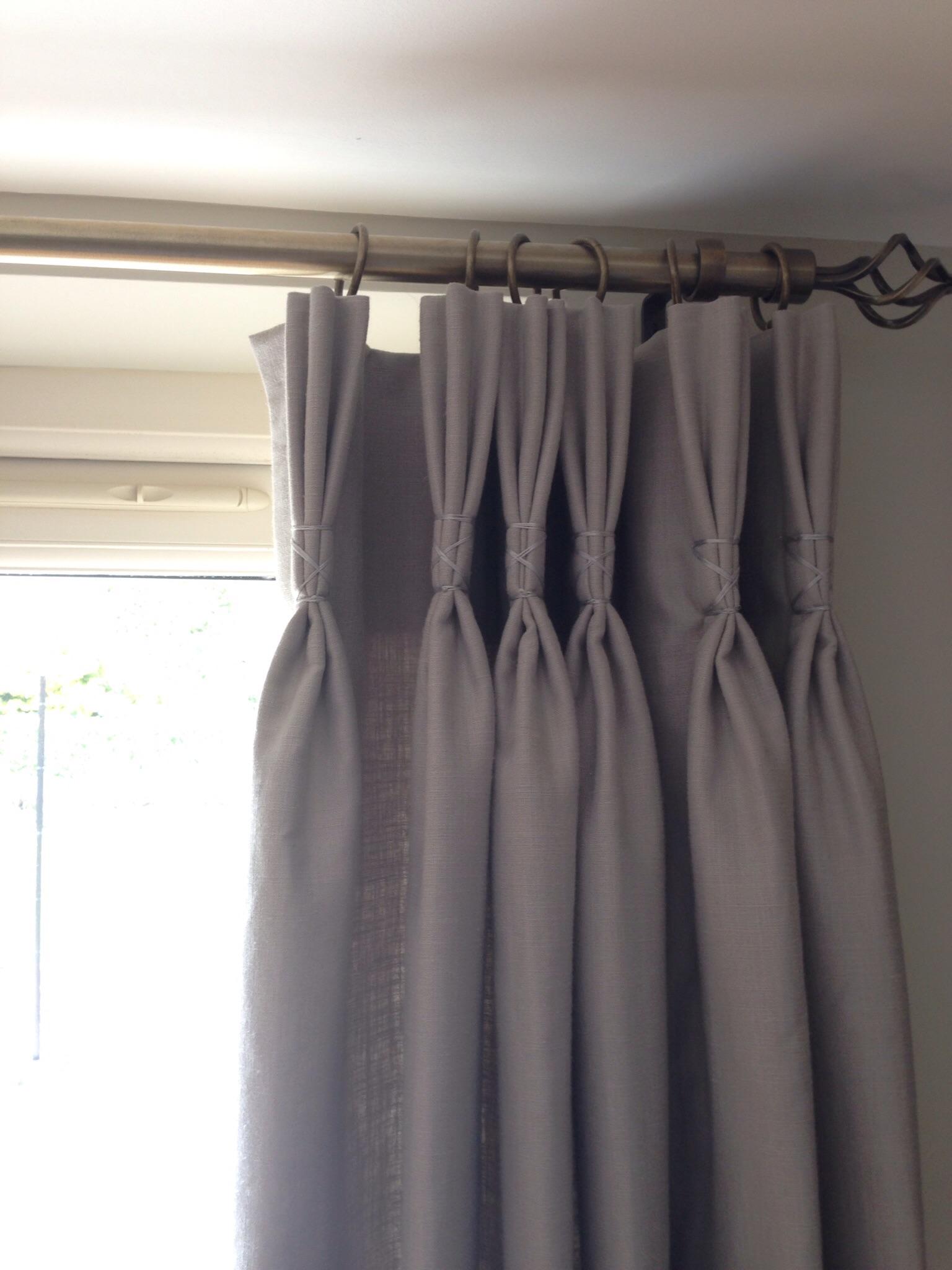 Silk thread heading detail