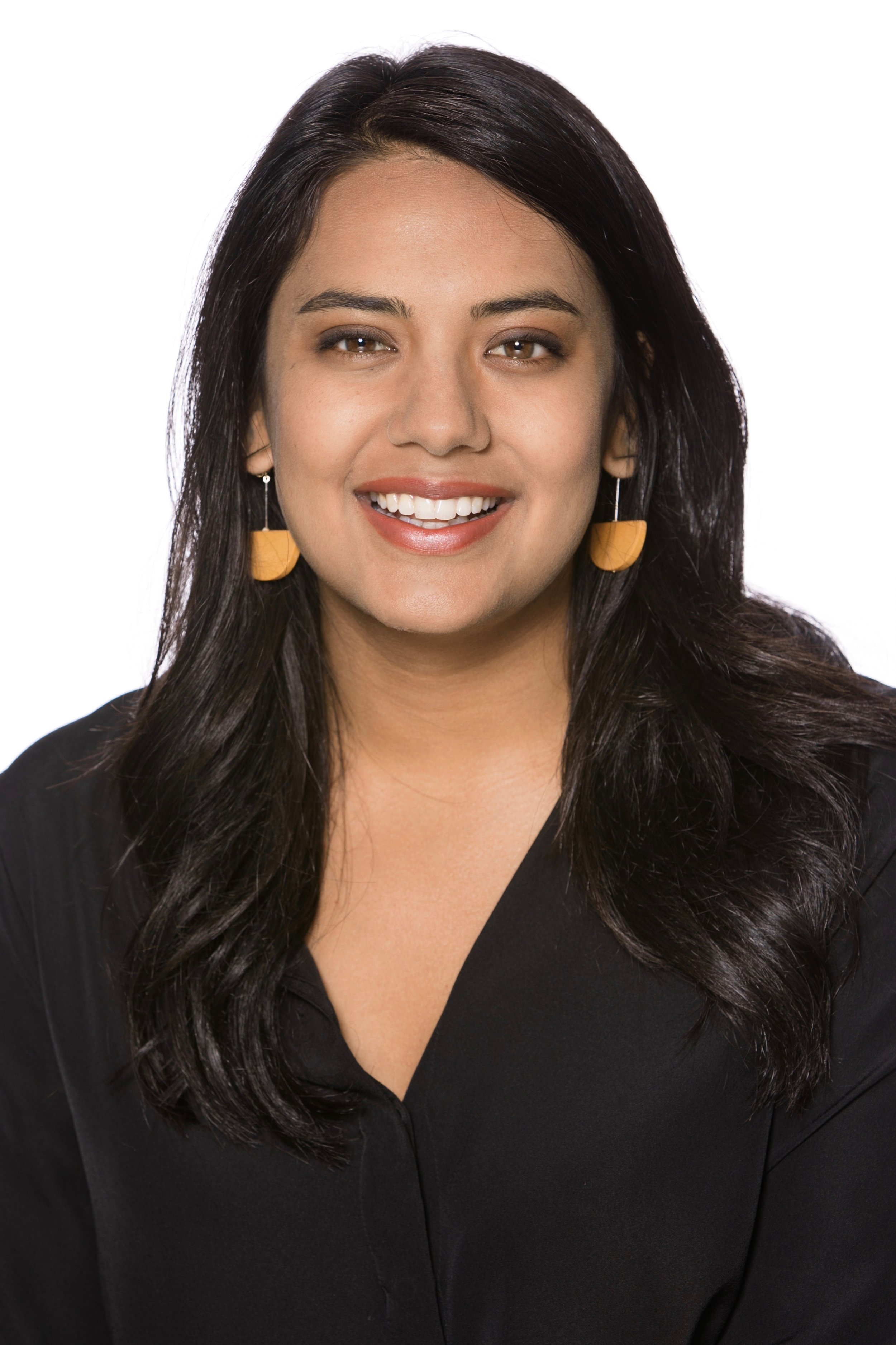 Hi, I'm Shilpi - I am working with core technology startups and studying systems engineering. I thrive on mission-driven teams that are tackling big messy problems.Currently, I work with early stage hardware companies working to bring technology into industrial environments. Currently, I work with Instrumental, which provides AI-driven defect detection for manufacturing lines. Previously, I led product commercialization at Filament, a company working to bring a decentralized networking and economic stack to construction, mining, and agriculture assets.I also invest in early stage founders through Village Global.My technology background started in venture capital, as analyst at First Roundand investor with VTF Capital, part of the Downtown Project. I studied Neuroscience and Economics at Duke University.My budding interests include:open data projects, public service design, renewable infrastructure and financing, decentralized systems theory, and basic income/asset models.Organizations I follow:Institute of the Future,Urban.Us,IDEO CoLab,Venture for America,Sidewalk Labs,Digital Currency Group, and Crisis Text Line.