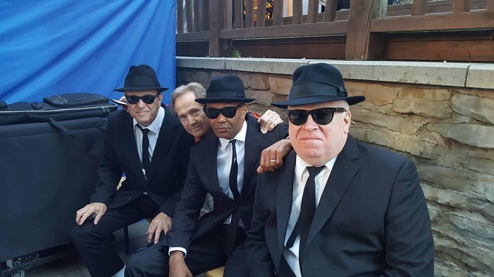 Murphy Dunn and The Singers.jpg