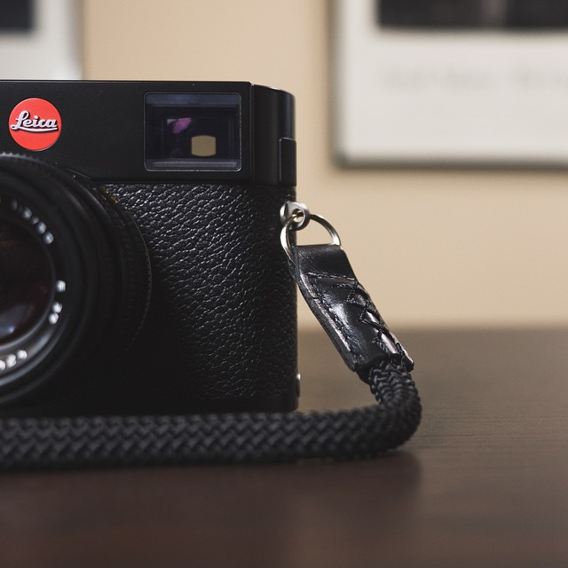 New review up on drewtensils of my favorite new camera strap: the Street Strap. #leica #leicam240