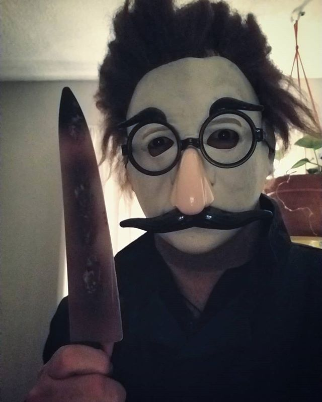 Hello, Happy Halloween! I am a friendly funny gent, and definitely don't do murders.