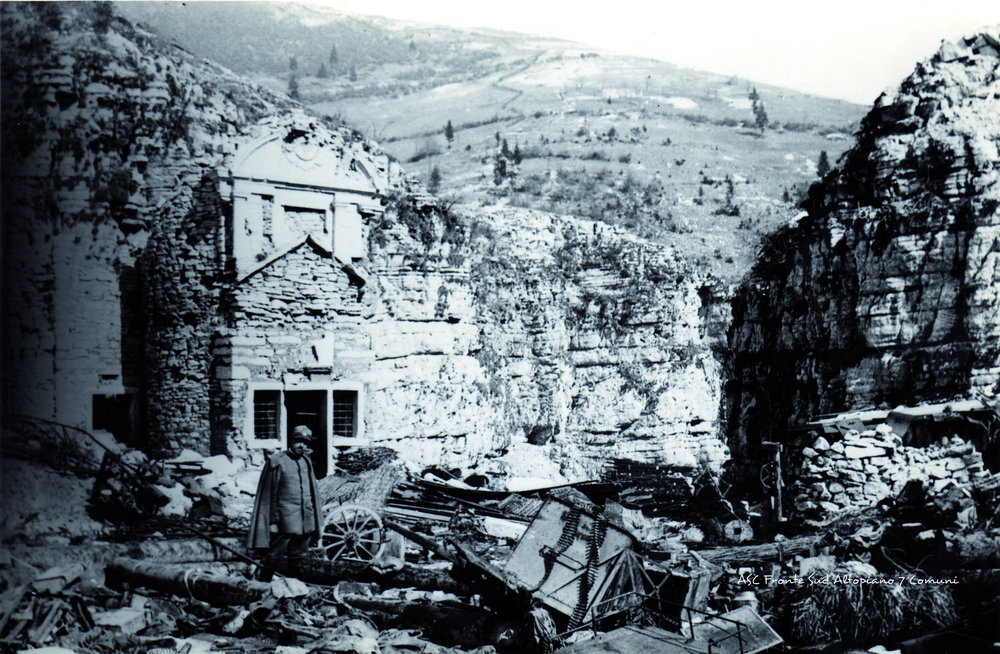 Il Santuario della Madonna di Caravaggio al Buso di Gallio (Altopiano sud orientale) durante la Grande Guerra