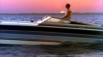 miami-vice-boats-stinger-3.jpg