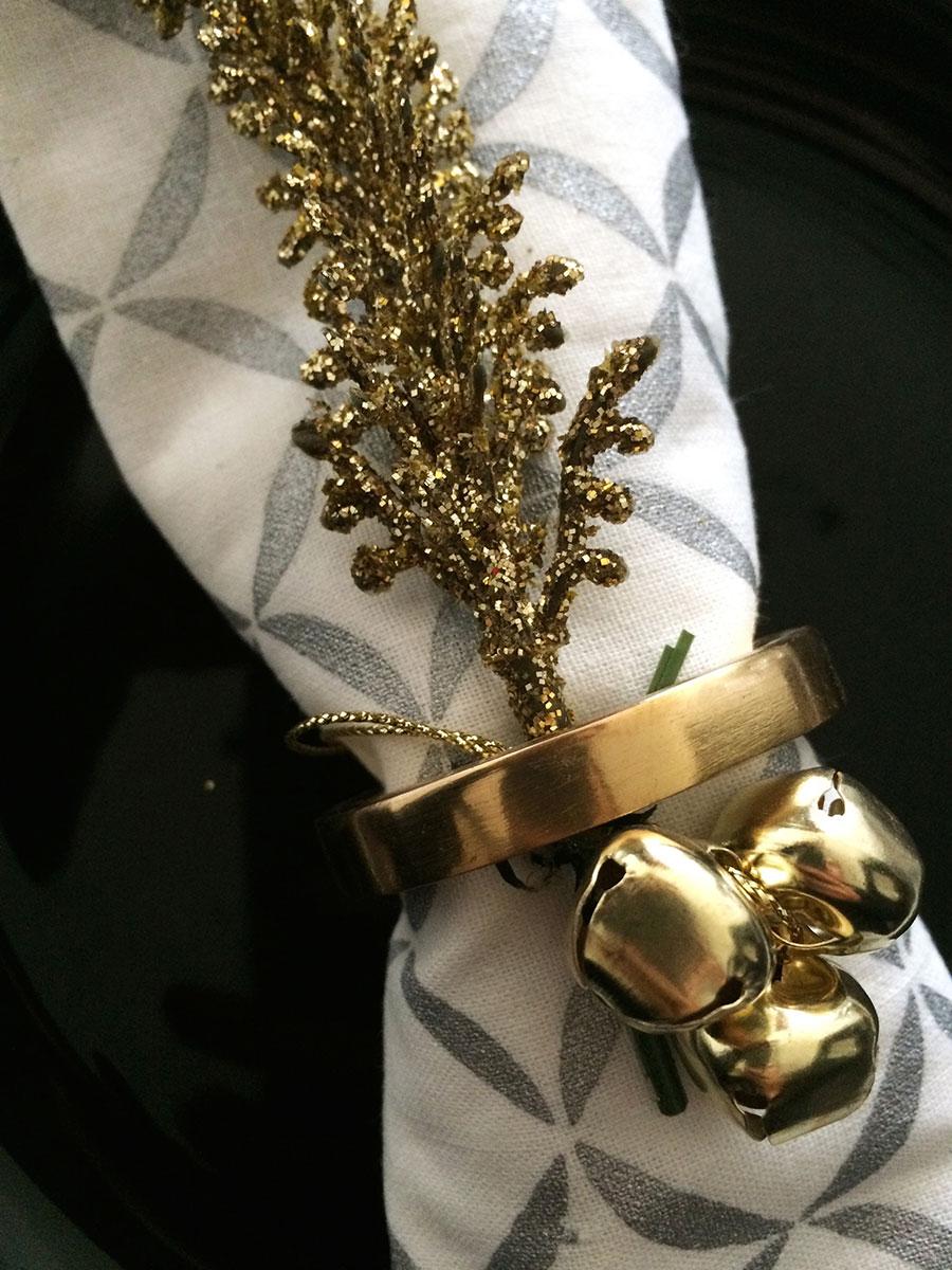 gold-detail-jingle-bells-splendor-styling.jpg