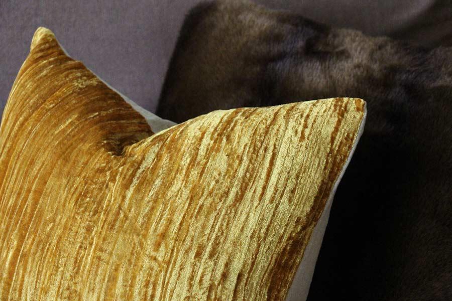 texture-pillow-decor-gold-hym-home.jpg