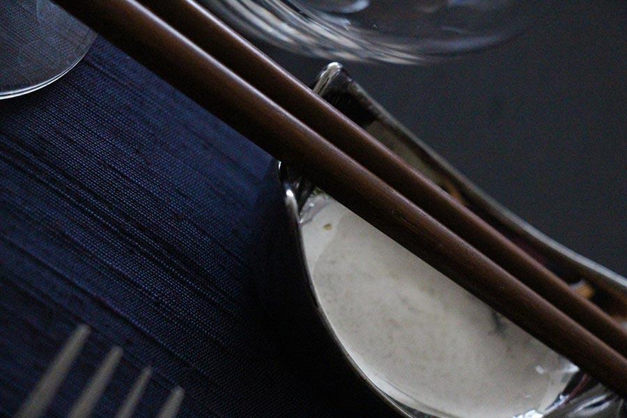 chic-cena-japonesa-chopsticks-host-simple.jpg
