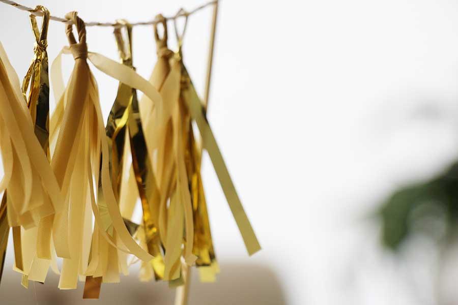 gold-mini-tassel-cake-topper-etsy.jpg