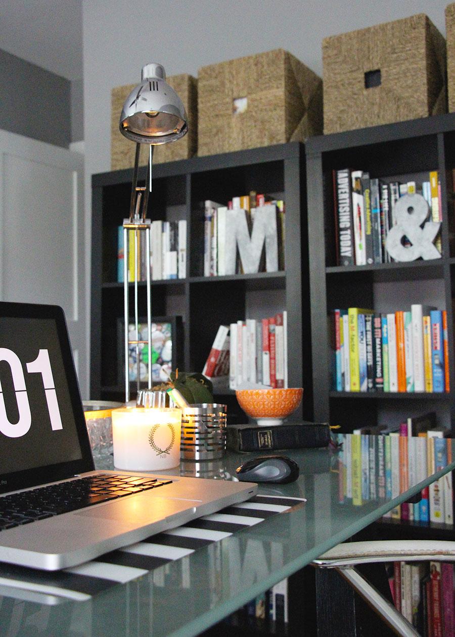 ikea-bookshelves-decor-home-office-small-apartment.jpg
