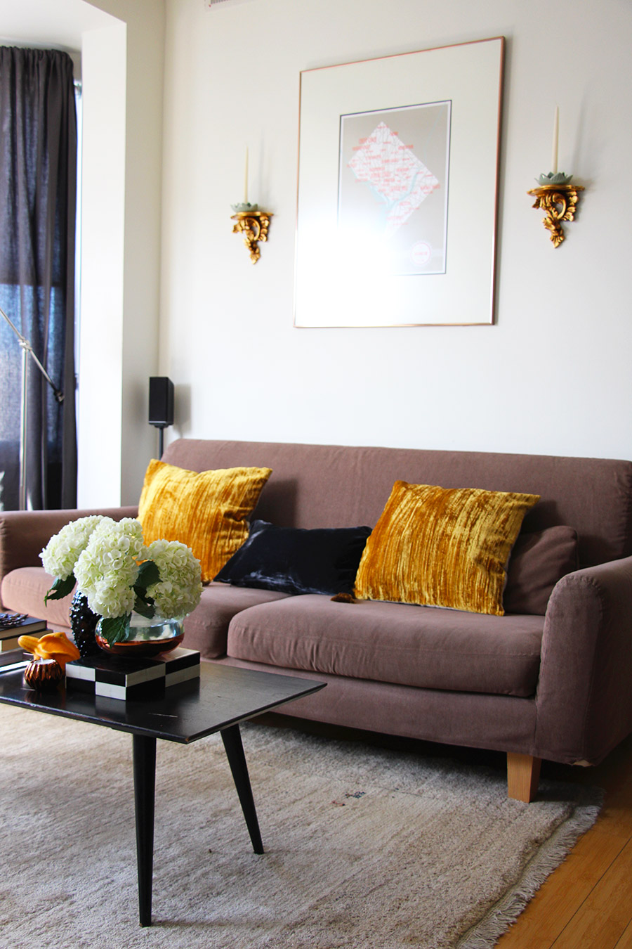 splendor-glam-living-room-home-decor.jpg