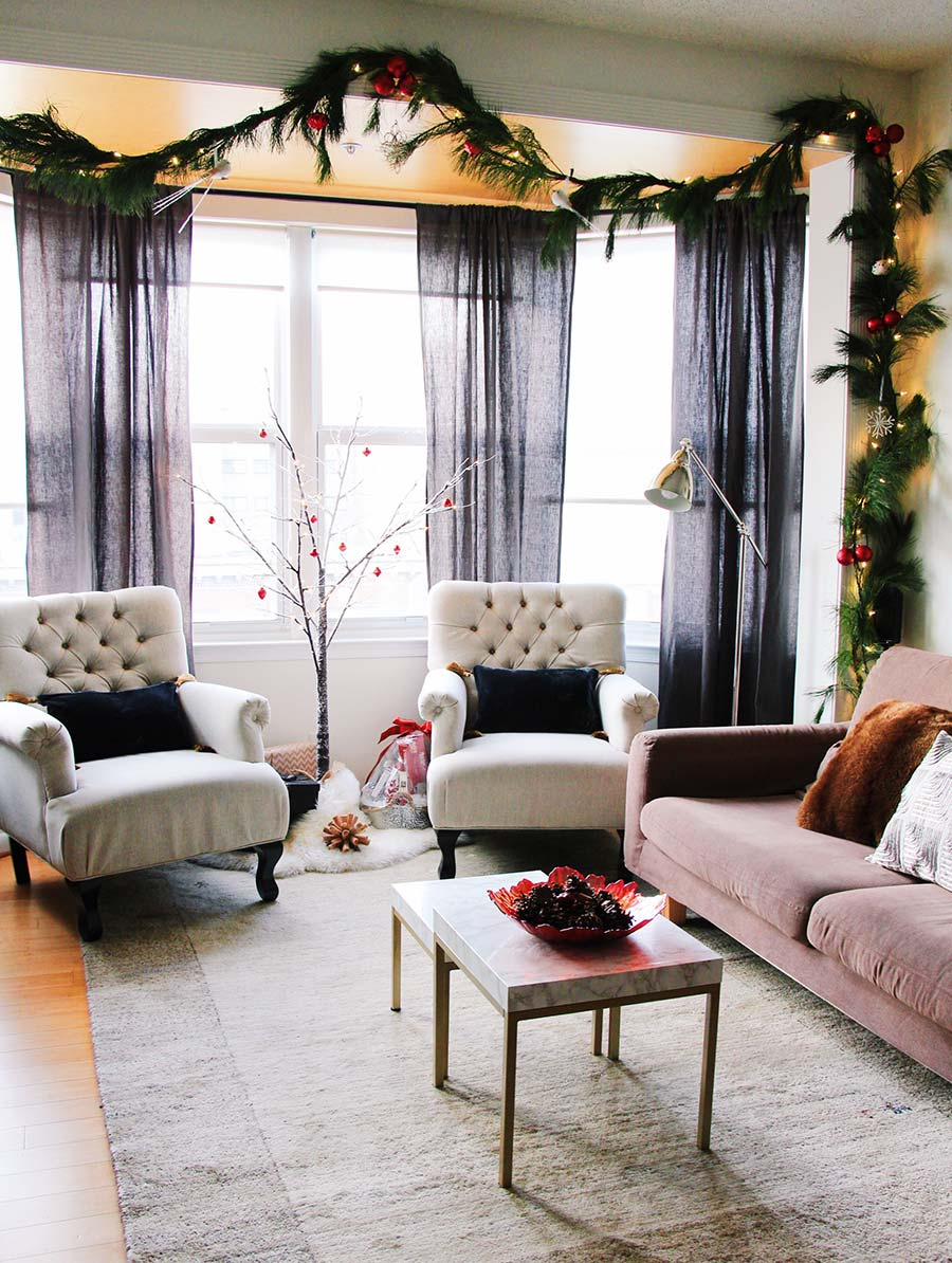 bay-windows-christmas-decor.jpg
