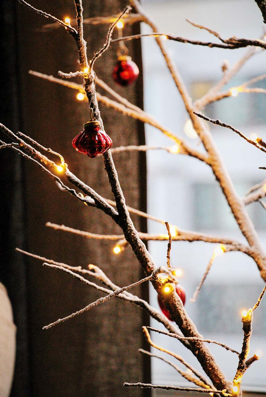 christmas-garlands-chic-decor.jpg