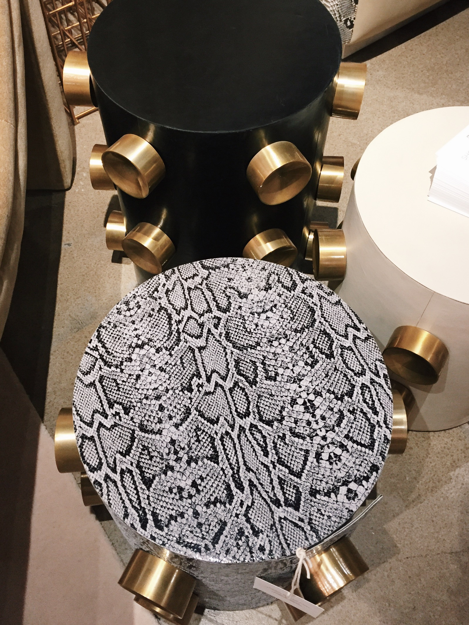 Posh side tables in black & white with awesome details by  Sho Modern
