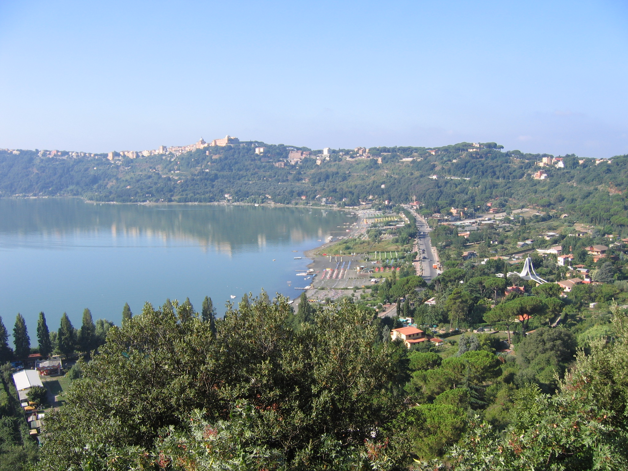 CASTEL GANDOLFO   This small village is know for 2 major things - the Pope's summer residence and the Lake Albano. At the lake you find plenty of bars and restaurants.
