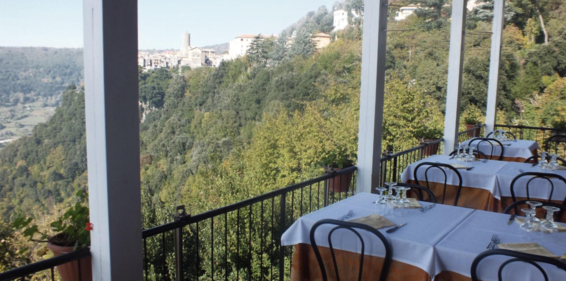 Il Ramo d'Oro Via Nemorense, 4 - 00040 Nemi - Roma Tel.06-9368048   Very good restaurant with fantastic view of the Nemi lake.
