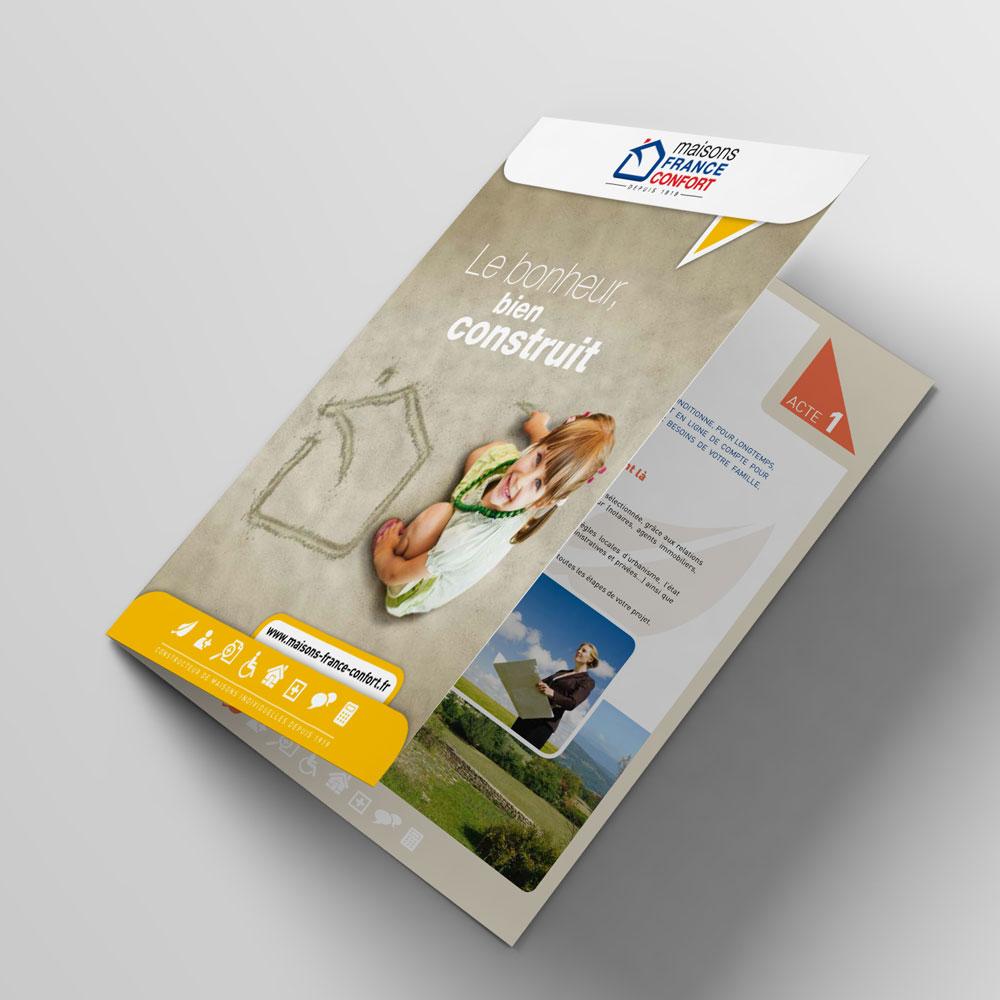 Bifold-Brochure-Mockup-catalogue-02.jpg