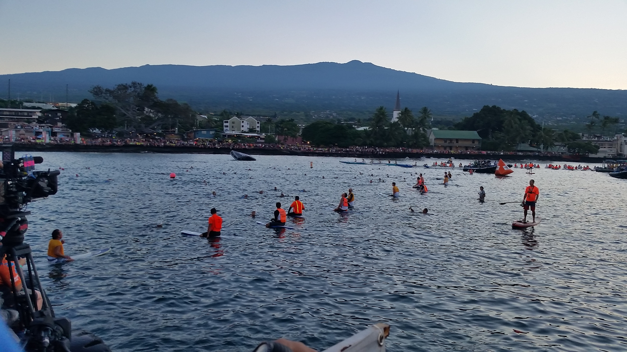 A photo Brooke snapped about 5-10 minutes before starting. All the paddle boarders do an amazing job of making everyone hold the starting line. It's unlike any other race in the world with an in-water start.