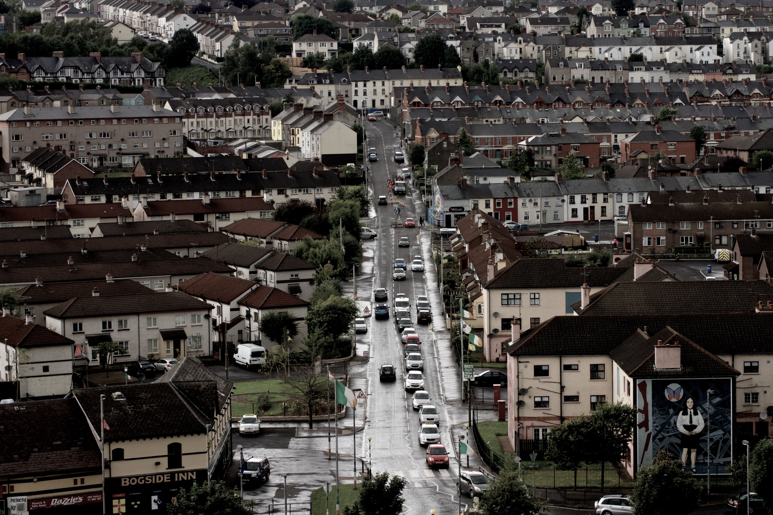 6. Westland Street cuts through the Bogside, viewed from the city wall. [f/11 1/125 ISO 800 64mm]