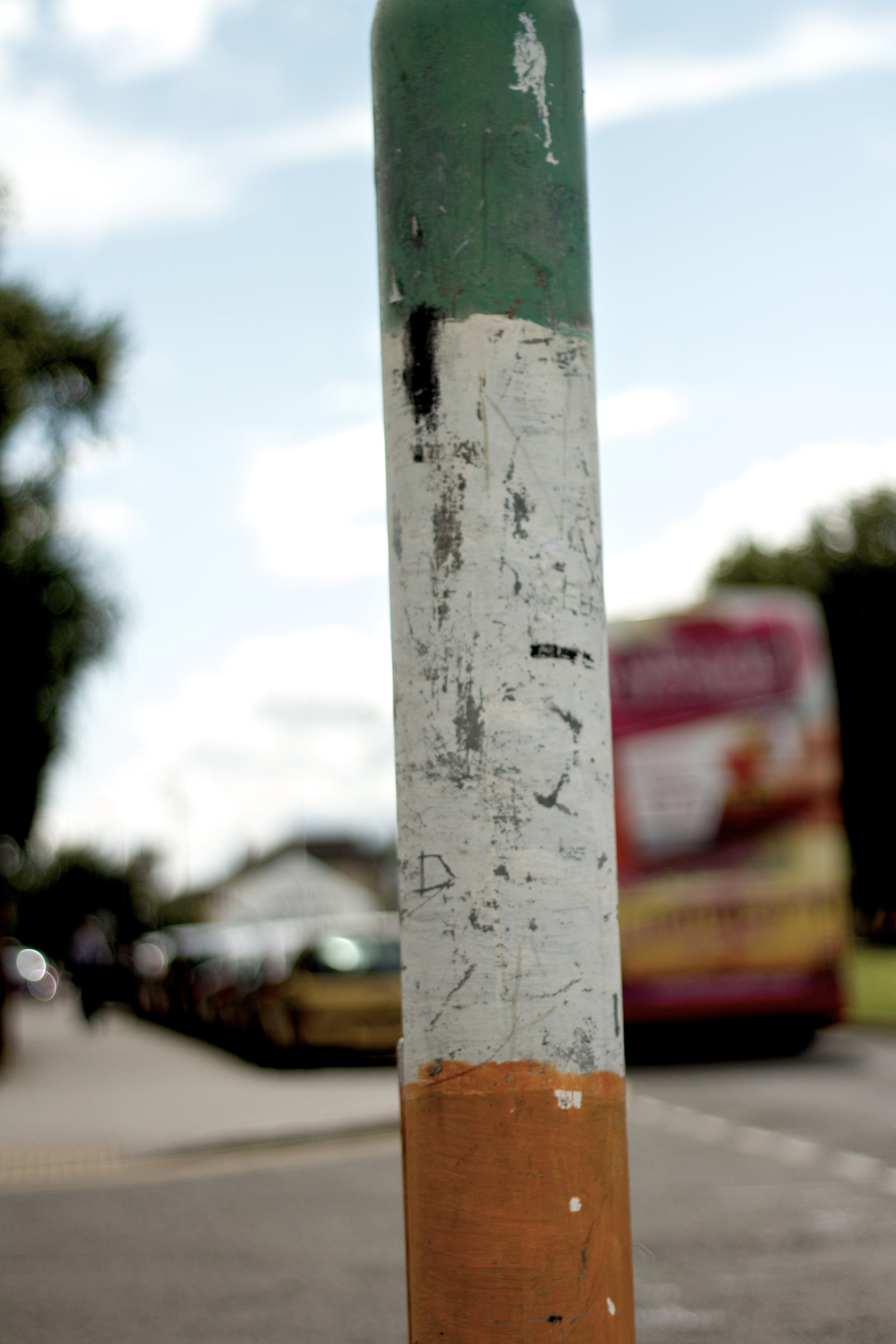 8. A lamp post painted in Nationalist colours.   [f/1.8   1/8000   ISO 200   50mm]