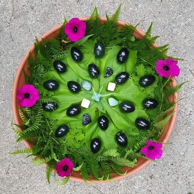 nephrite-jade-eggs-yoni-eggs-jillian-anderson-earthbodymama