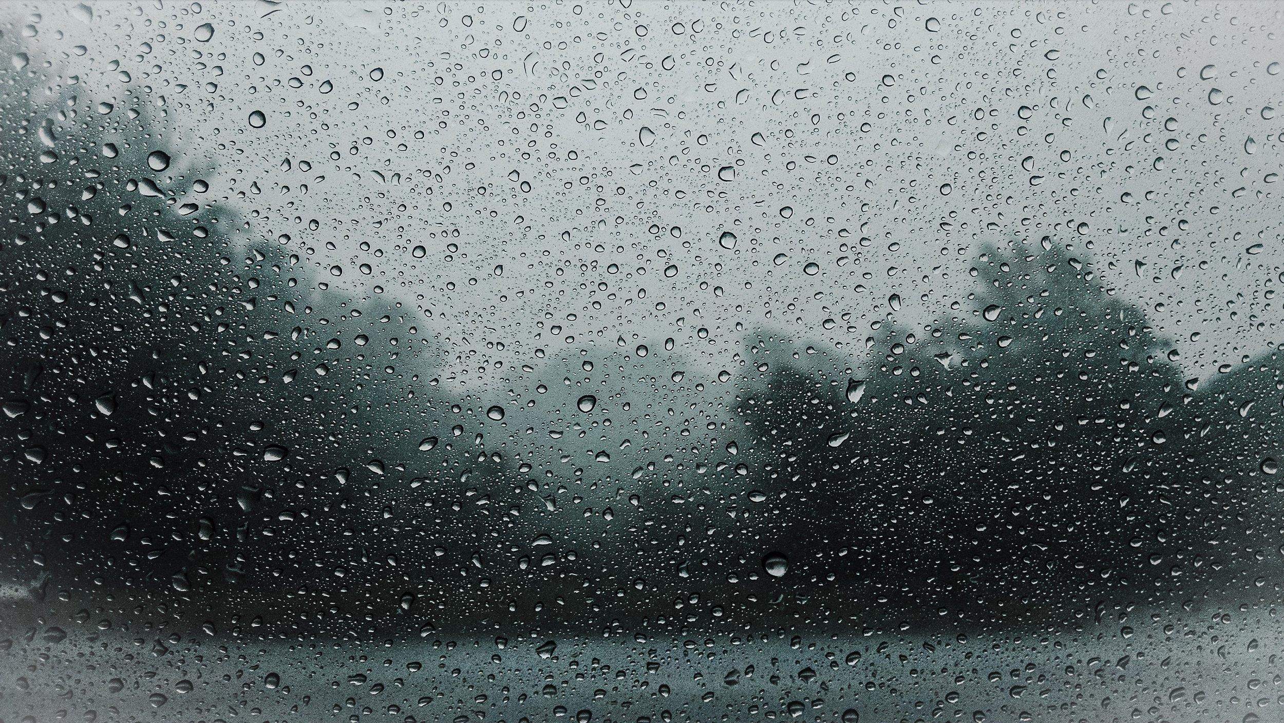 raindrops-828954.jpg