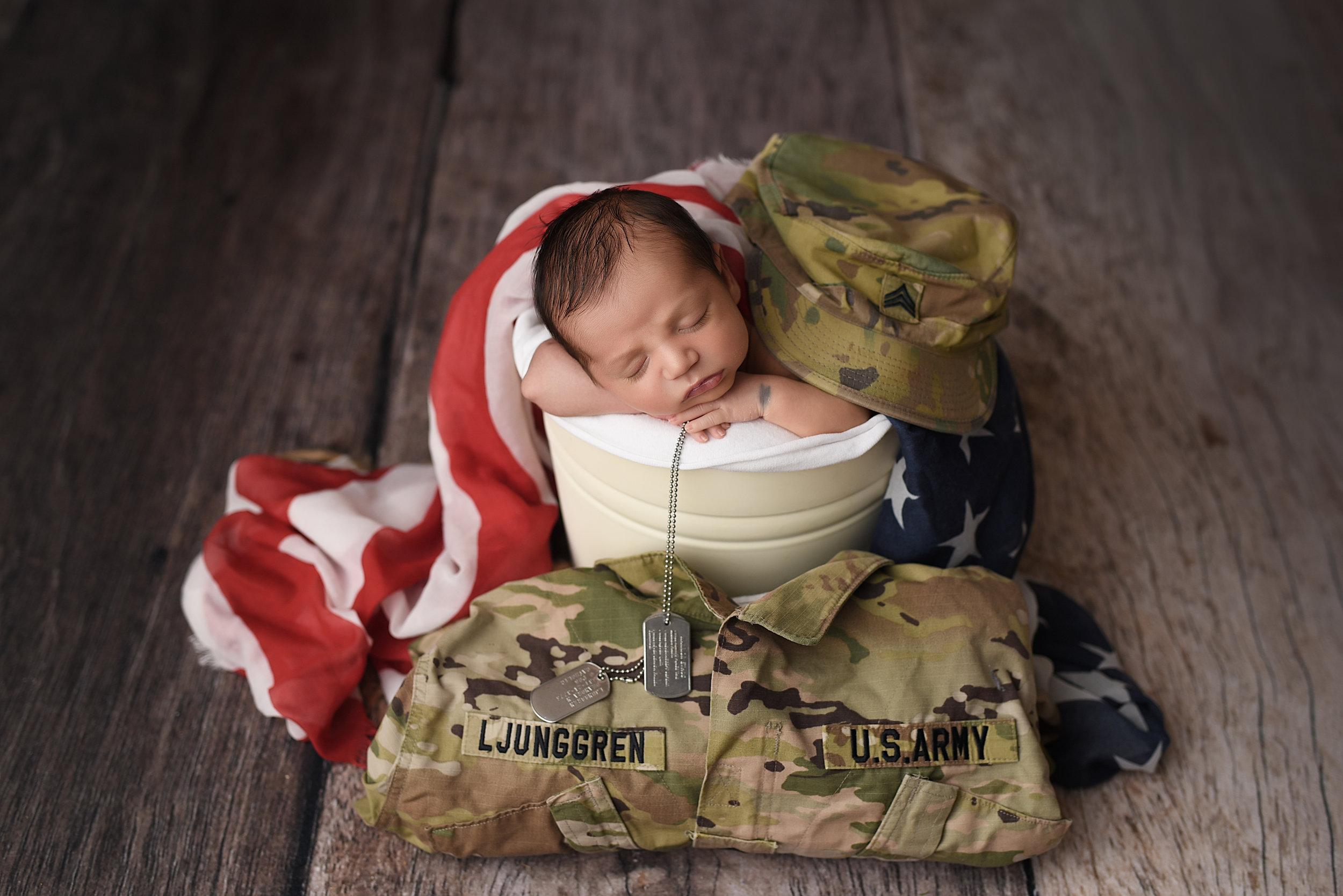 Ljunggren Newborn-17.jpg