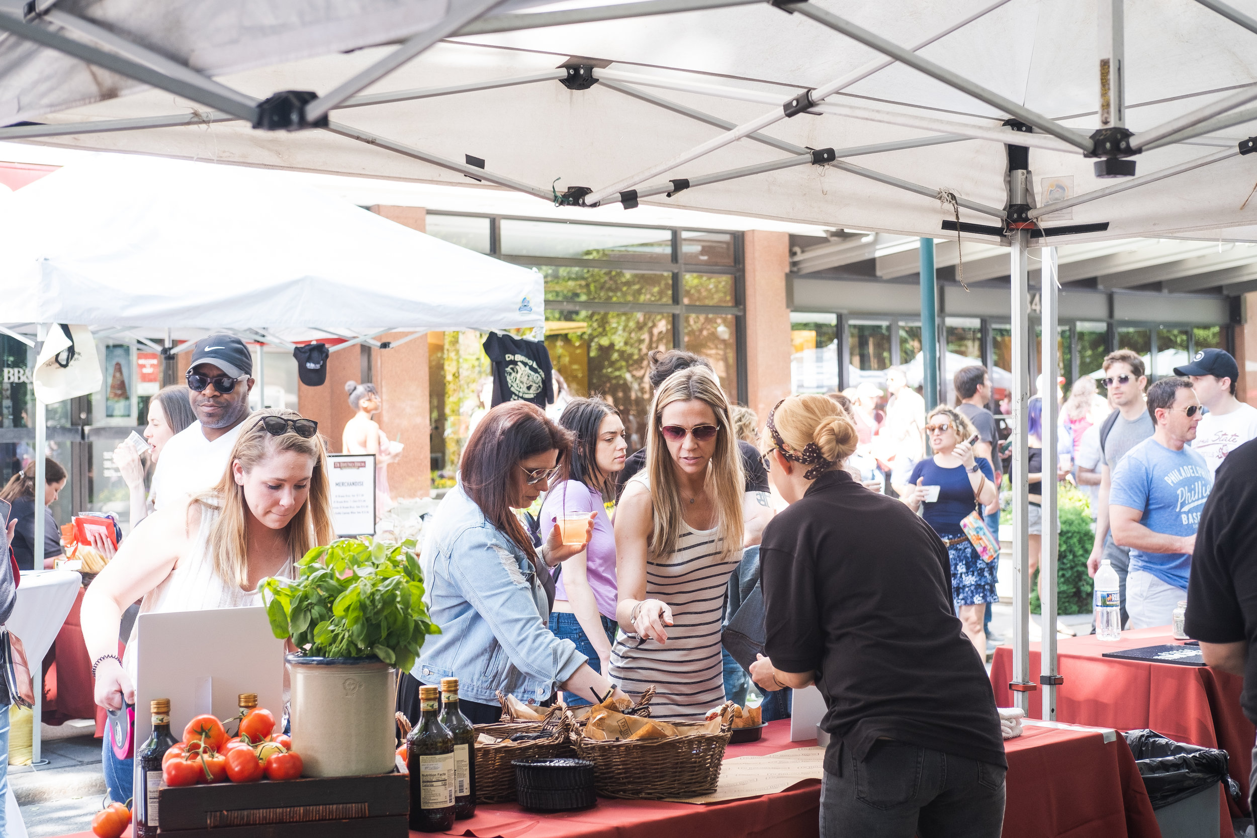 2019_RITTENHOUSE ROW FEST_EVENTS_THE PHILLY CHECKLIST-4.jpg