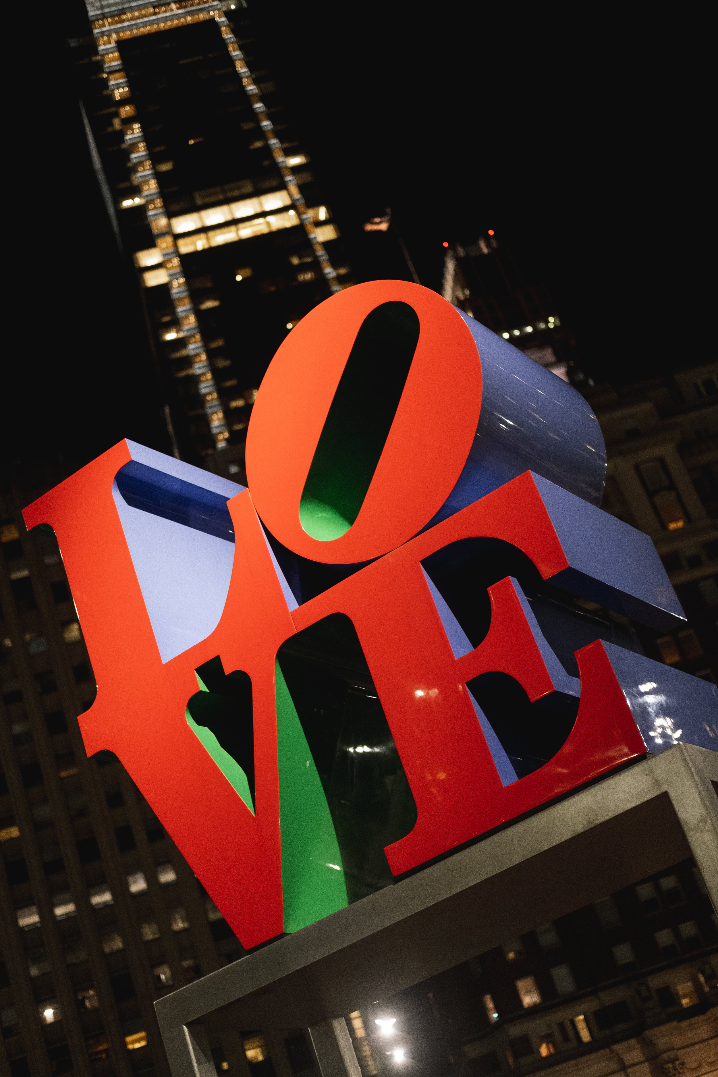 2019_LOVE PARK STATUE_ACTIVITES_THE PHILLY CHECKLIST-8.jpg